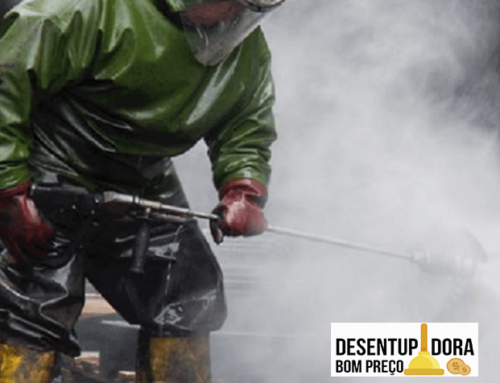 Limpeza industrial regular prolonga tempo útil dos equipamentos