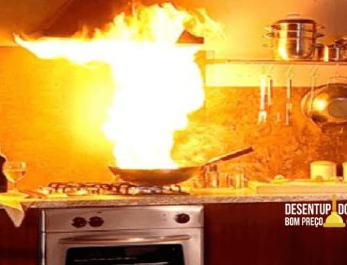 Previna incêndios na cozinha com a limpeza de coifa
